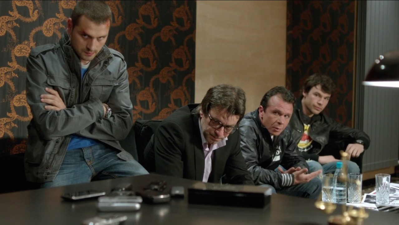 undercover-image15